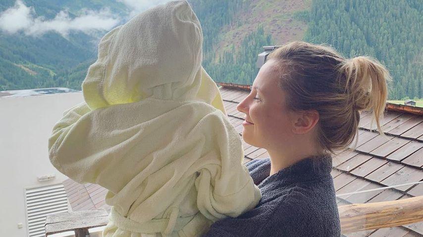 Ania Niedieck mit ihrer Tochter Charlotte in Österreich, Juli 2019