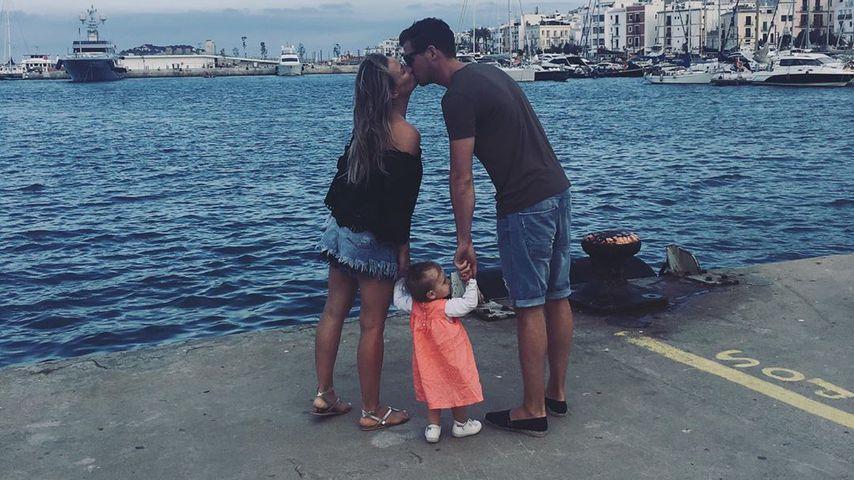 Ania Niedieck, Tochter Charlotte und Ehemann Chris auf Ibiza, Mai 2019