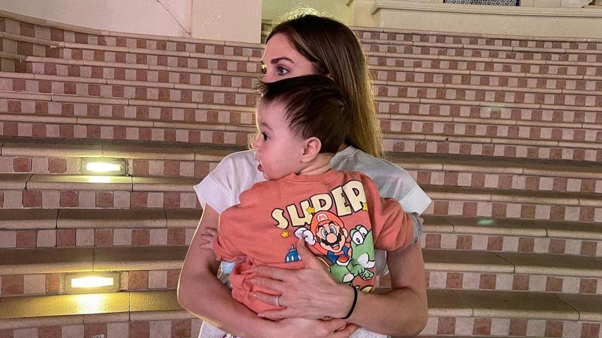 Ann-Kathrin Götze mit ihrem Sohn Rome im März 2021