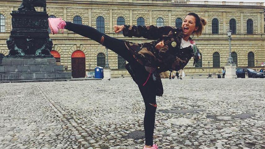 Achtung, Karate-Queen: Diese Spielerfrau teilt gerne aus!