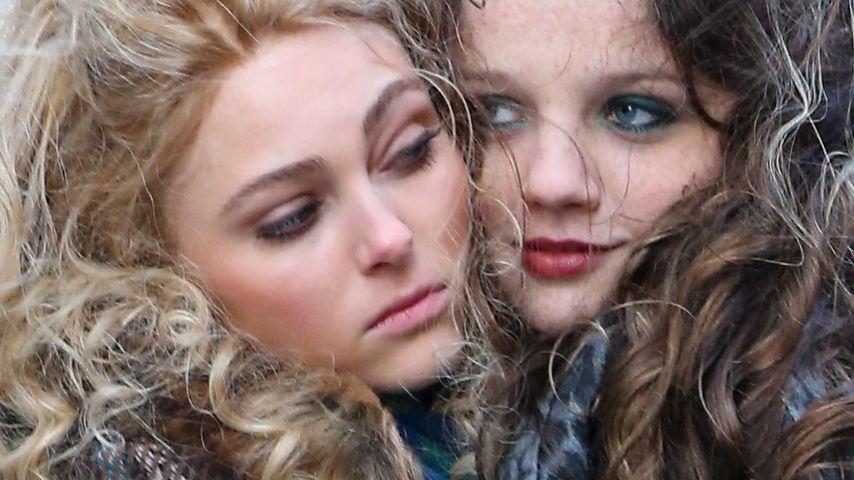 """AnnaSophia Robb & ihre """"Schwester"""" wärmen sich"""