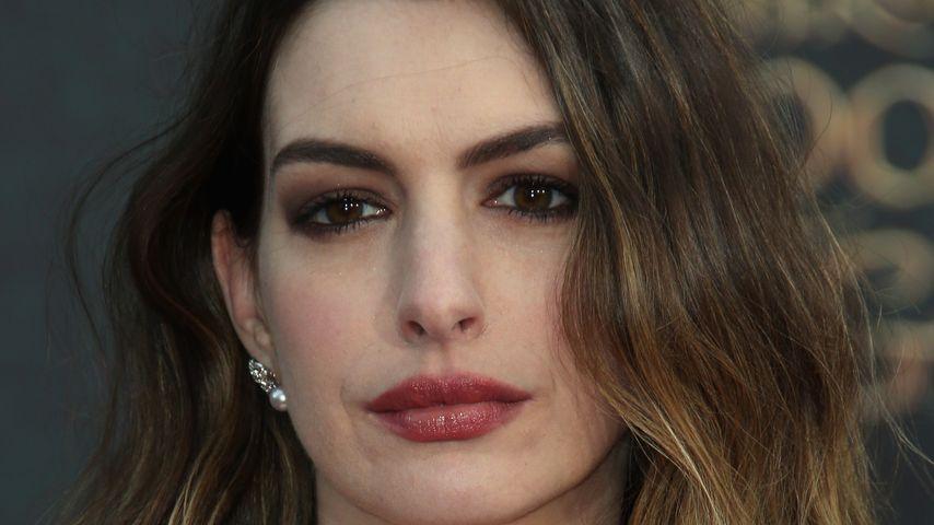 Wegen Baby-Body: Trainer bringt Anne Hathaway zum Weinen!