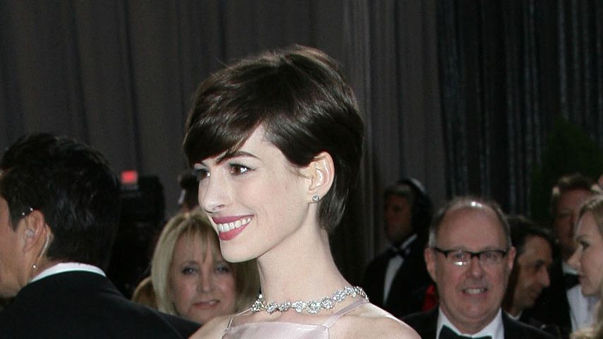 Twitter-Account für Anne Hathaways Oscar-Nippel