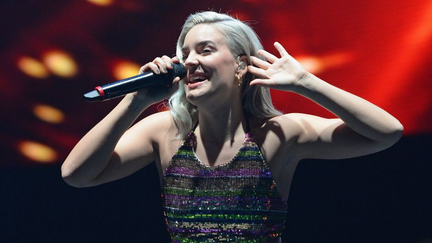 Anne-Marie Nicholson bei einem Konzert in Birmingham 2017