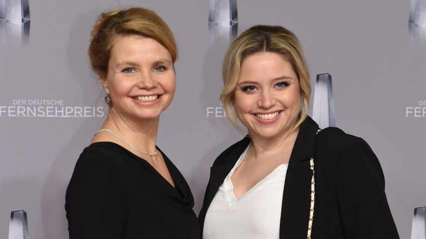 Annette und Caroline Frier bei der Verleihung Der Deutsche Fernsehpreis
