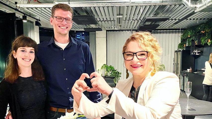 """Annika, Manuel und Dr. Sandra Köhldorfer nach dem """"Hochzeit auf den ersten Blick""""-Finale"""