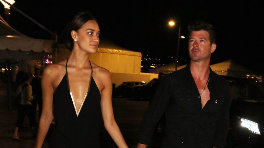 Voll verliebt! Robin Thicke & seine April turteln in Cannes