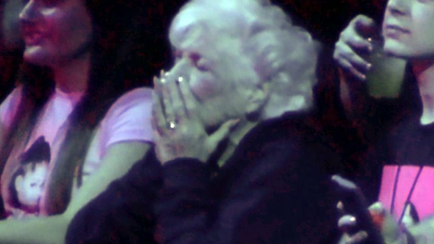 Ariana Grandes Großmutter Marjorie Grande beim Konzert ihrer Enkelin