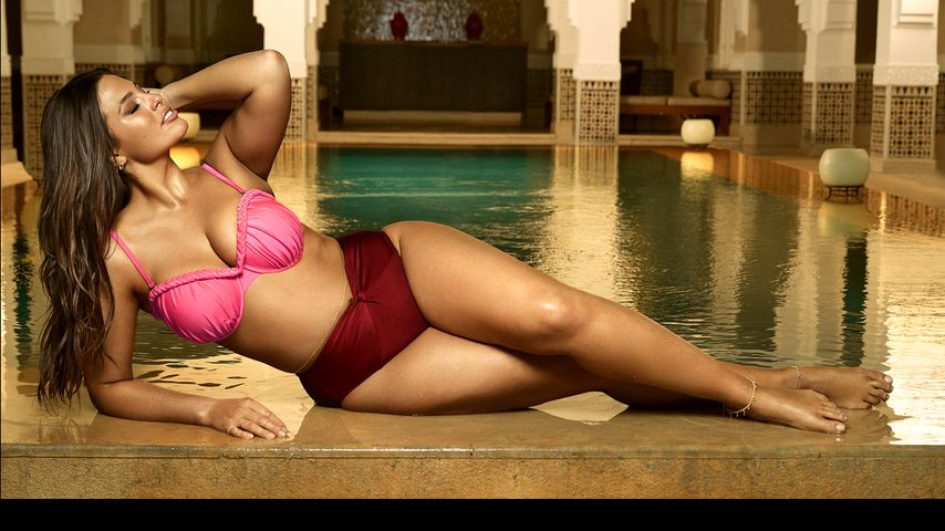 """Ashley Graham modelt für ihre Modelinie """"Swimsuits for All"""""""