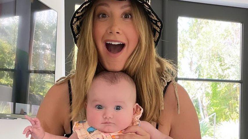 Ashley Tisdale mit ihrer Tochter Jupiter Iris French
