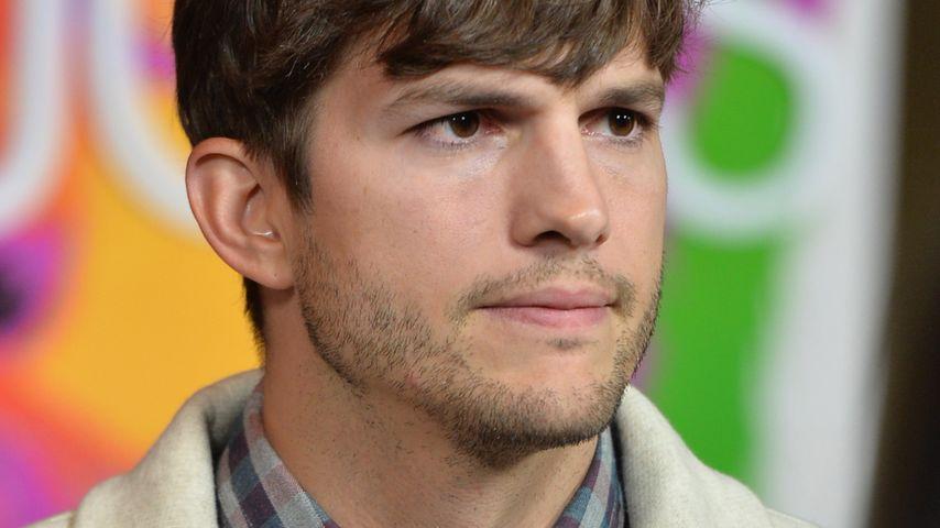 Ashton Kutcher fordert Wickeltische auf Herrenklos