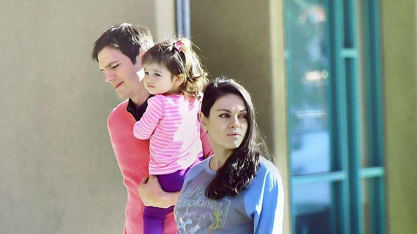 Ashton Kutcher und Mila Kunis mit Tochter Wyatt in Kalifornien