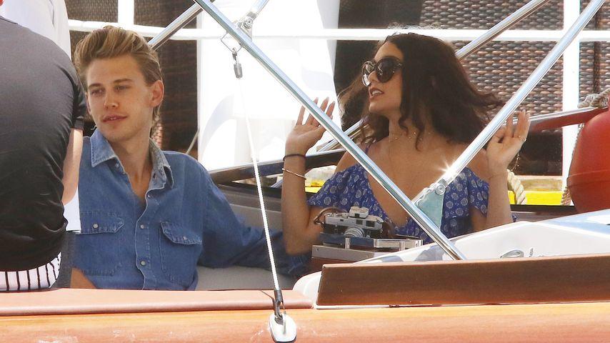 Austin Butler und Vanessa Hudgens auf einer Bootstour