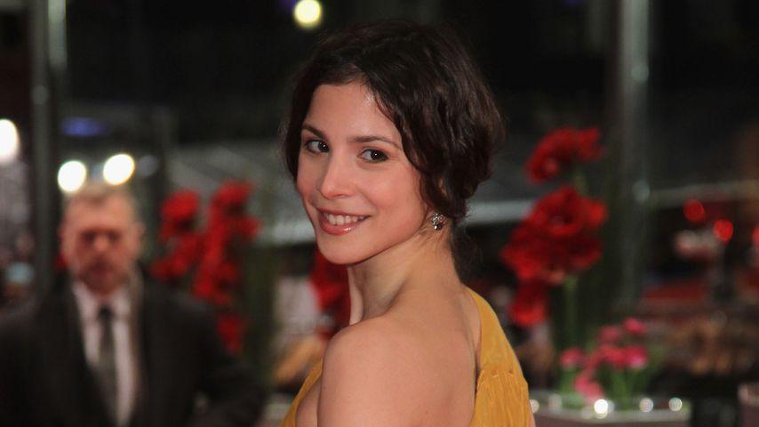 Aylin Tezel im Februar 2012