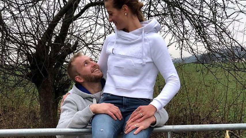 Verdächtige Ringe: Bäuerin Denise und Nils schon verlobt?
