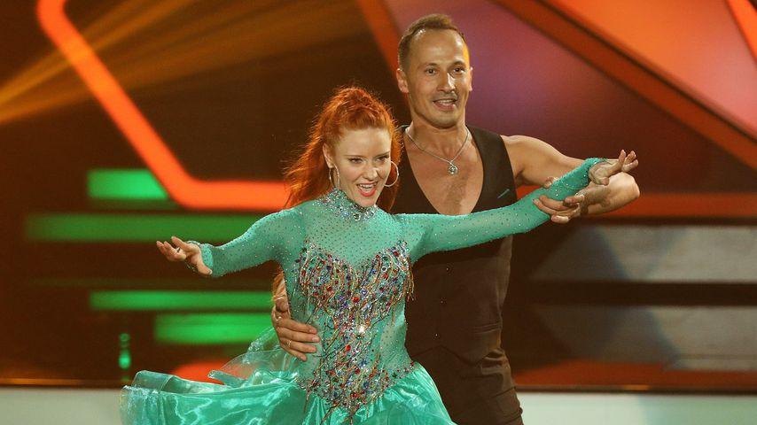"Barbara Meier und Sergiu Luca bei ""Let's Dance"""