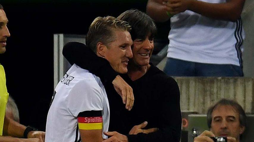 Bastian Schweinsteiger mit Joachim Löw