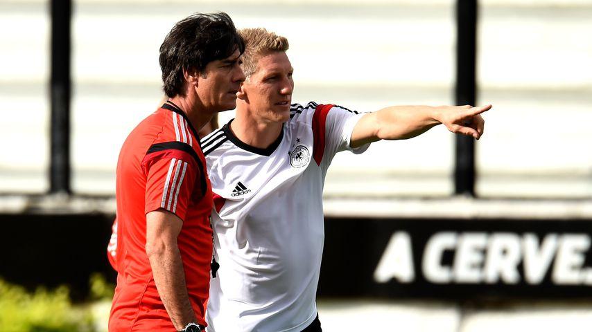 Bastian Schweinsteiger und Joachim Löw in Rio de Janeiro