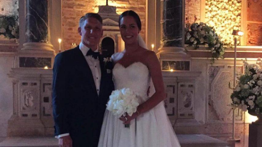Bastian Schweinsteiger und Ana Ivanovic nach der kirchlichen Trauung