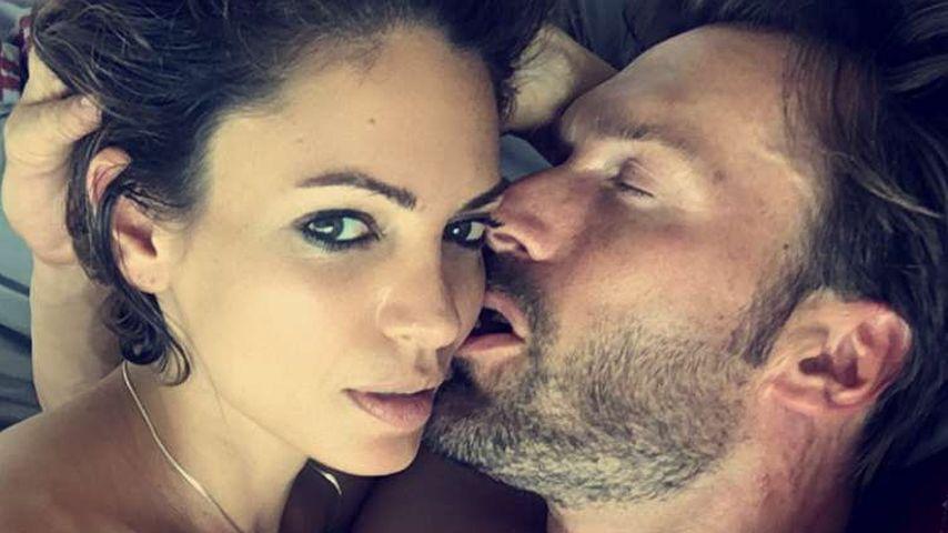 Splitterfasernackt: Bastian Yottas Peep-Show mit Sandra!