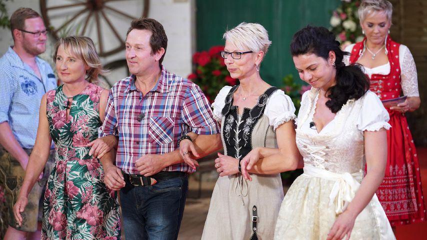 """Bauer Bernhard mit seinen Bewerberinnen beim """"Bauer sucht Frau""""-Scheunenfest 2018"""