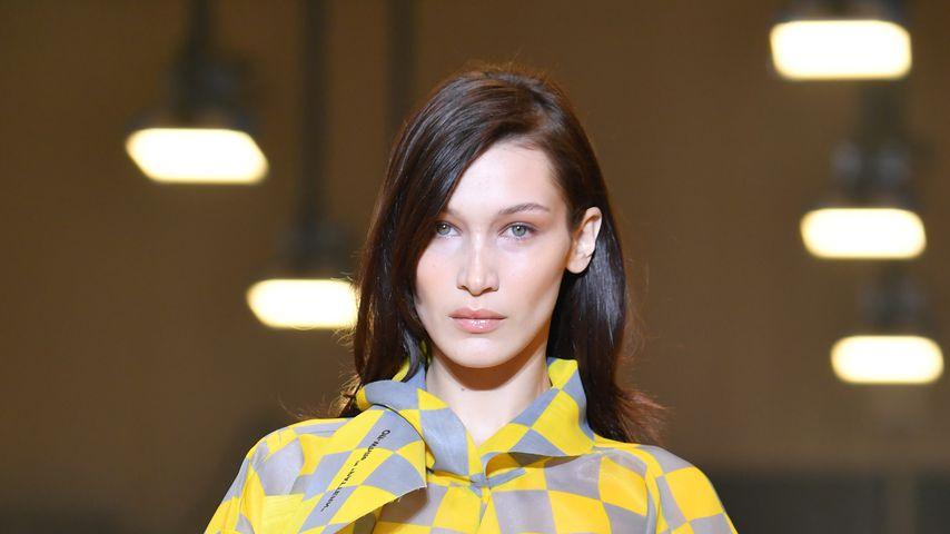 Bella Hadid bei der Fashionshow des Labels Off-White in Paris