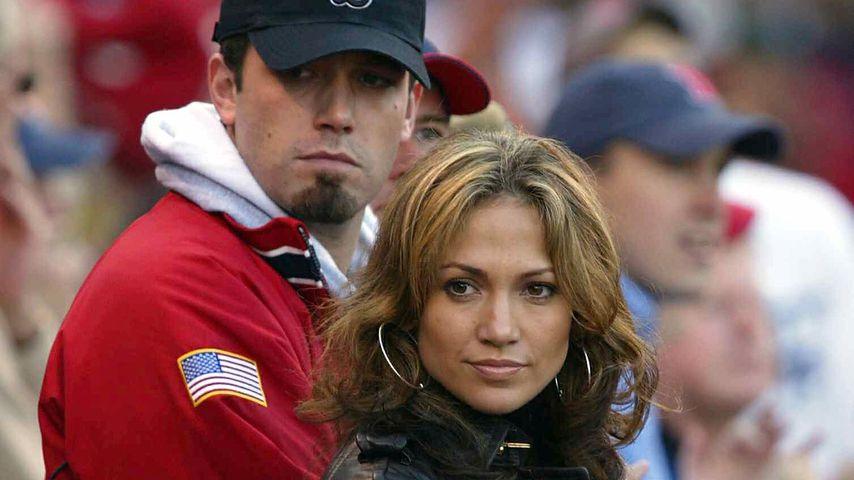 Ben Affleck und Jennifer Lopez im Fenway Park in Boston, 2003