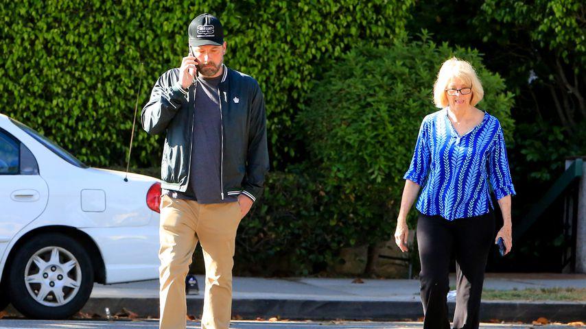 Ben Afflecks Mutter zieht nach Reha-Aufenthalt wieder zu ihm