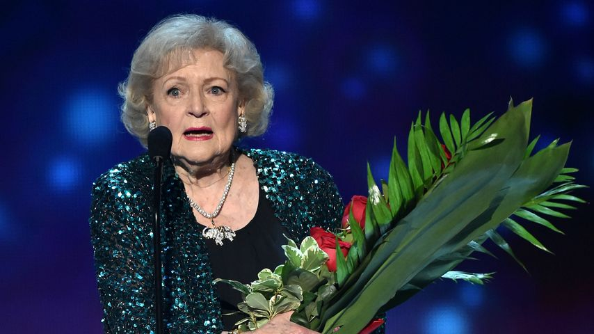 "Mit 93: ""Golden Girl"" Betty White bekommt Emmy"