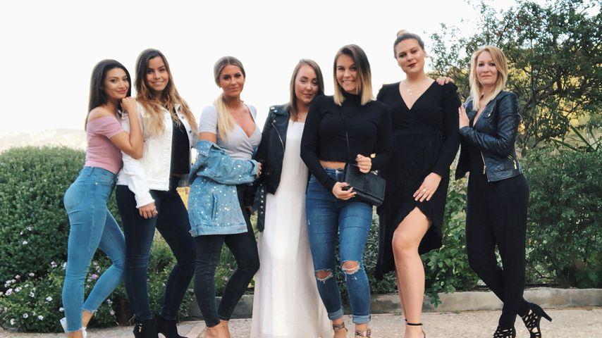 Dagi Bee bei ihrem Junggesellinnenabschied mit ihren Freundinnen