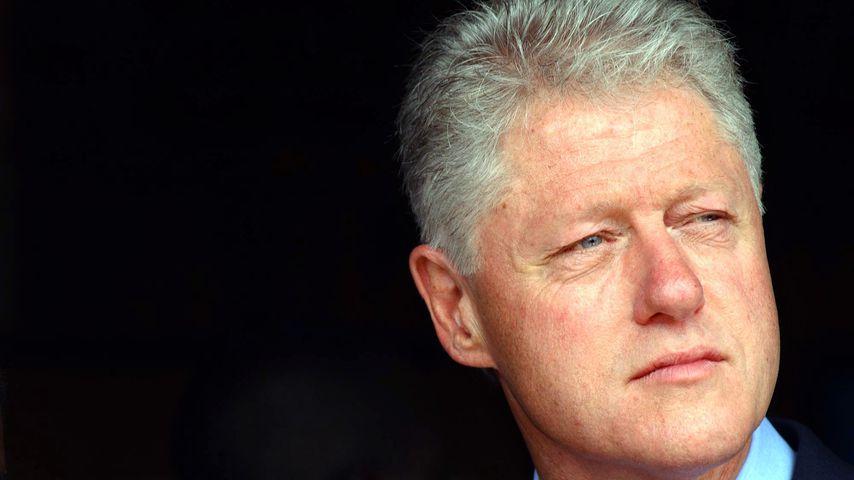 Skandalöse Bilder: Bill Clinton von Epstein-Opfer massiert!