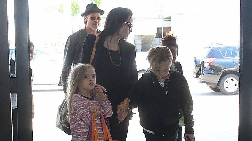 Angelina Jolie, Brad Pitt, Shiloh Jolie-Pitt, Zahara Marley Jolie-Pitt und Vivienne Jolie-Pitt