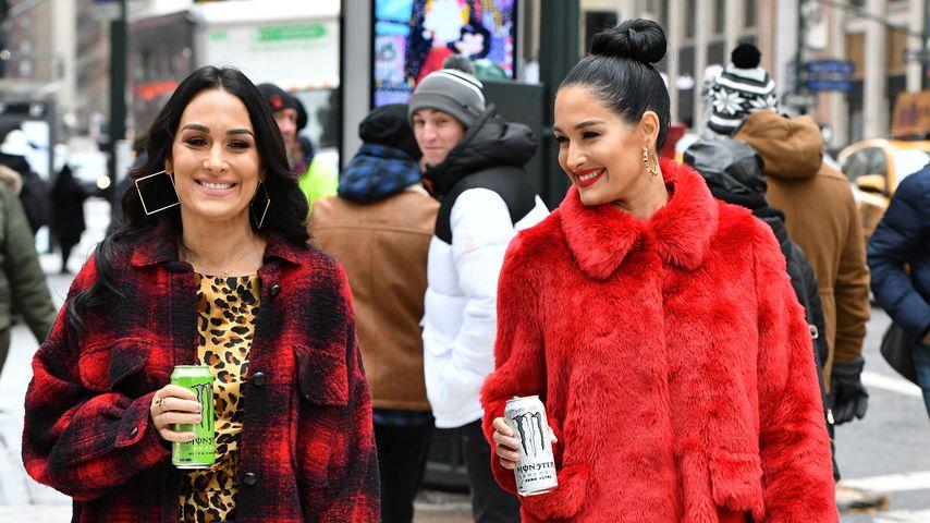 Die Reality-TV-Schwestern Brie und Nikki Bella, Dezember 2019