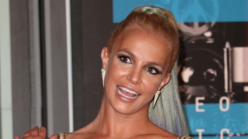 Trotz geplatztem Zipper: Britney Spears performt weiter