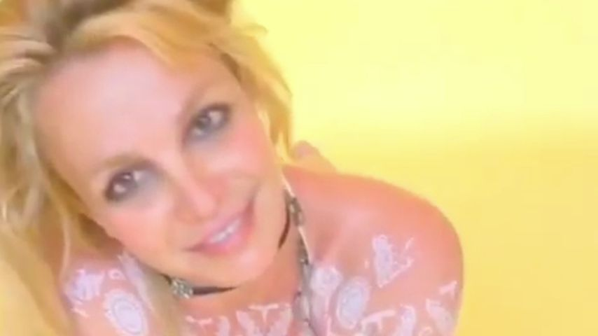 """""""Selbst geschnitten"""": Britney Spears tanzt in Henna-Clip"""