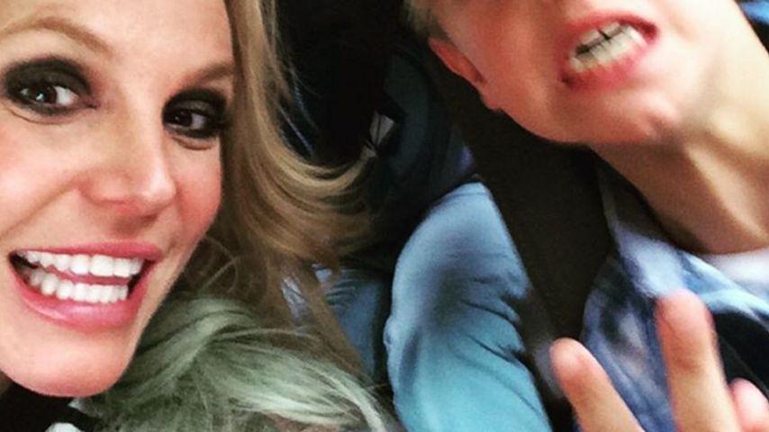 Geburtstags-Selfie: Britney Spears albert mit ihren Jungs