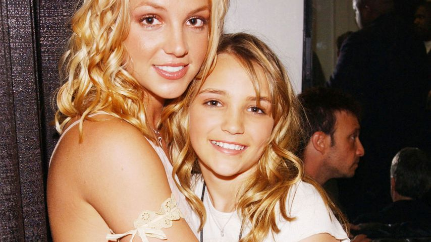 Britney und ihre Schwester Jamie Lynn Spears bei den Kid's Choice Awards in Santa Monica 2003