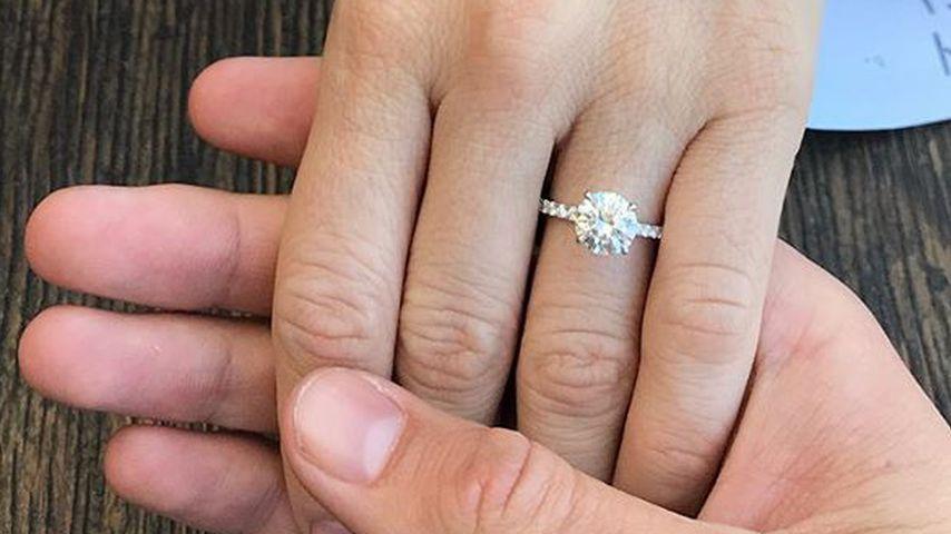 Brittany Snows Verlobungsring