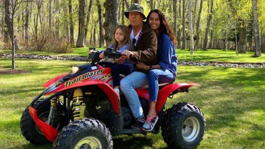 Bruce Willis mit seinen Töchtern Emma und Evelyn im Mai 2020