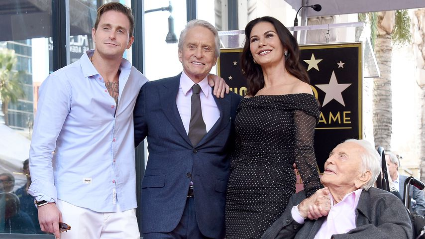 Toll: Michael Douglas & Catherine zeigen Kids auf Red Carpet