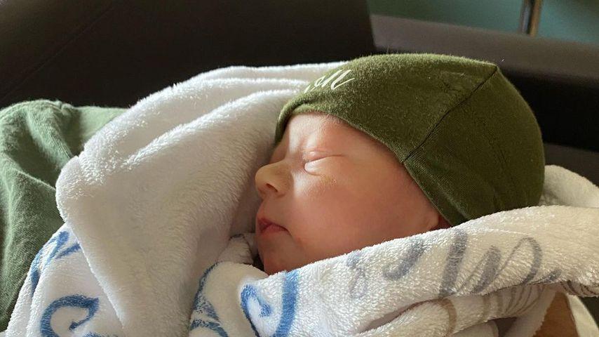 Cameron Theo Buckner, Sohn von Deena Cortese
