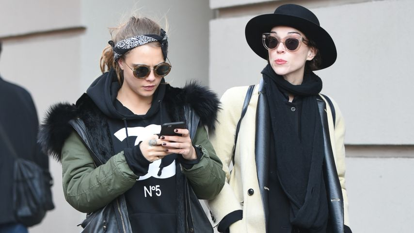 Cara Delevingne und St. Vincent (Annie Clark) unterwegs in New York