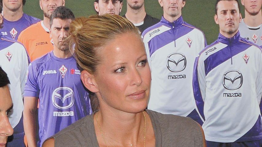 Carina Wanzung bei Mario Gomez Präsentation in Florenz 2013