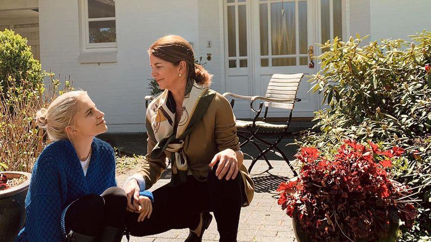 Caro Daur und ihre Mutter im Mai 2020 in Hamburg
