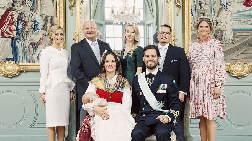 Prinz Carl Philip, Prinzessin Sofia und Prinz Gabriel mit den Taufpaten