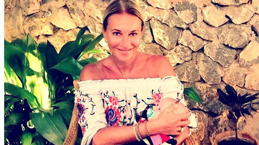 Erster Baby-Urlaub: Caroline Beil (50) mit Tochter auf Malle