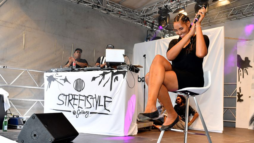 Cassandra Steen bei einem Konzert, 2016
