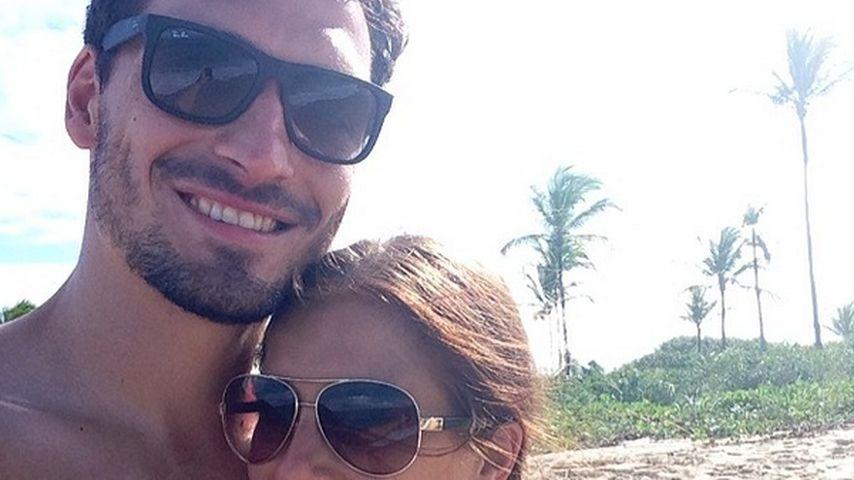 Süß! Mats Hummels & seine Cathy schmusen am Strand