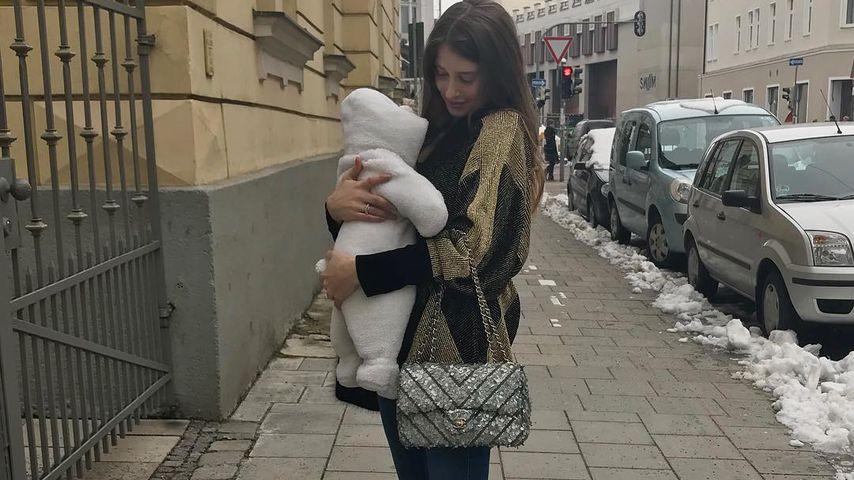 Nach Pupser: Jetzt rülpst Baby Ludwig Mama Cathy Hummels an!