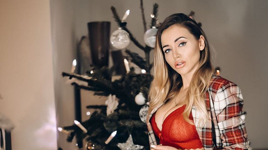 Blanker Po: Cathy Lugner sendet sexy Weihnachts-Grüße